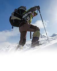 Hiker-climbing-a-mountain_male-hiker