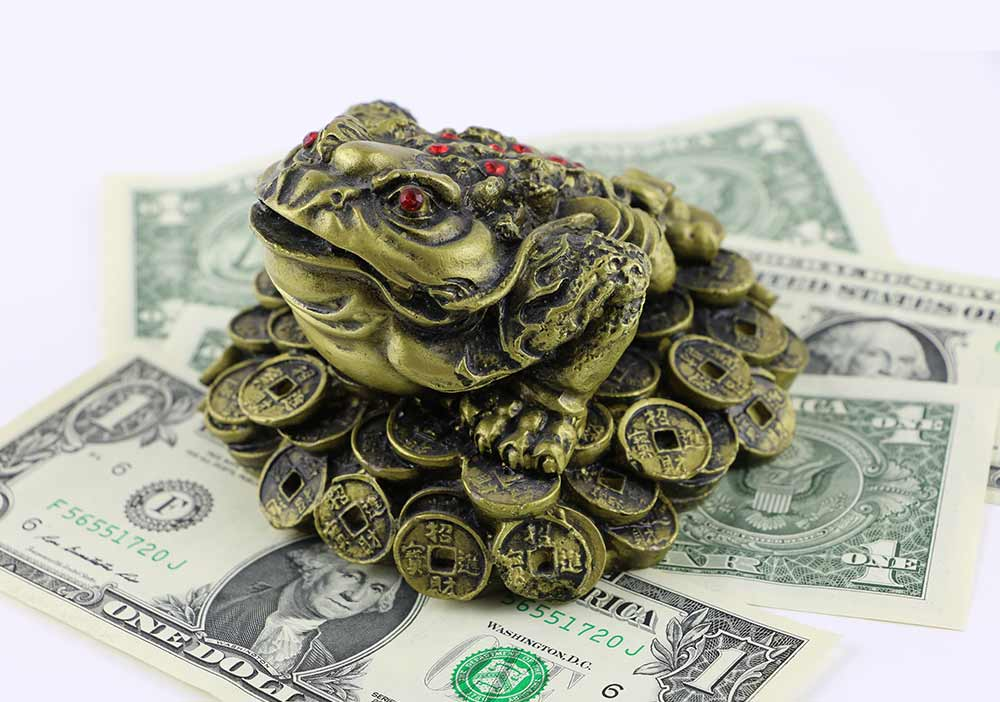 Position-your-money-space-in-the-Southeast-bigstock-Chinese-Feng-Shui-Lucky-Frog-234777841